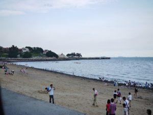 コロンス島の砂浜